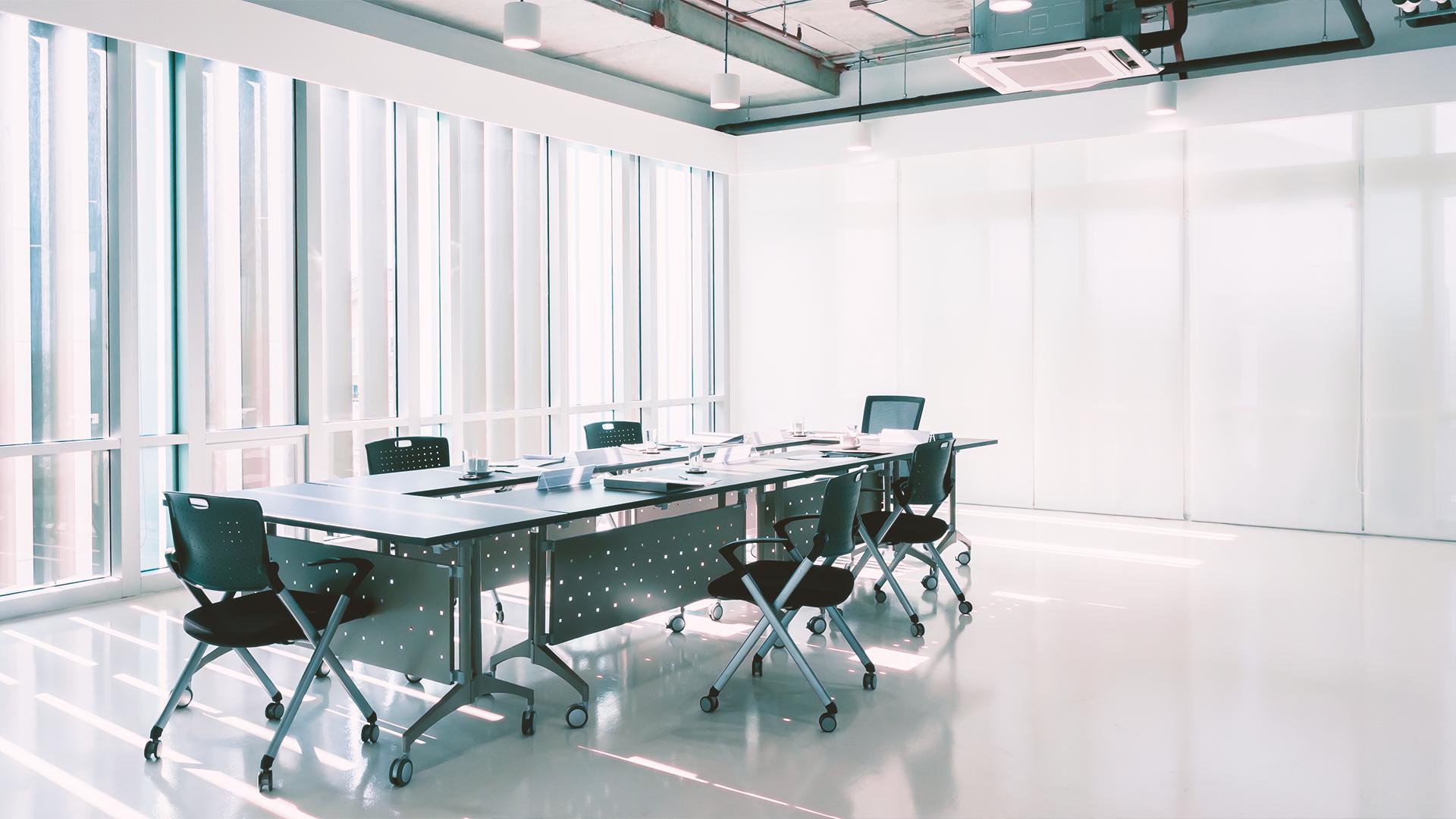 limpiar y desinfectar en las zonas comunes de una oficina